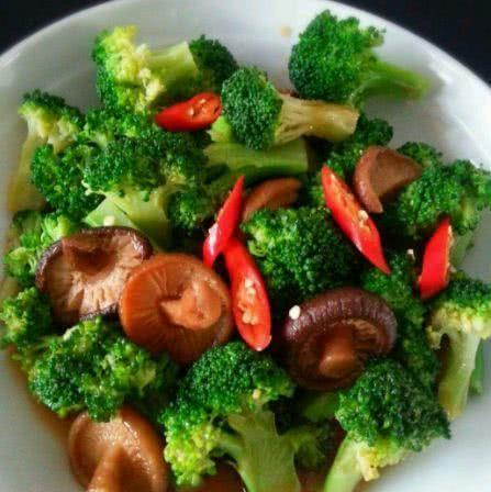 家常菜,不仅好吃营养价值丰富,老少皆宜,百吃不腻